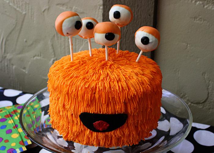 Happy poppy halloween Cute easy halloween cakes