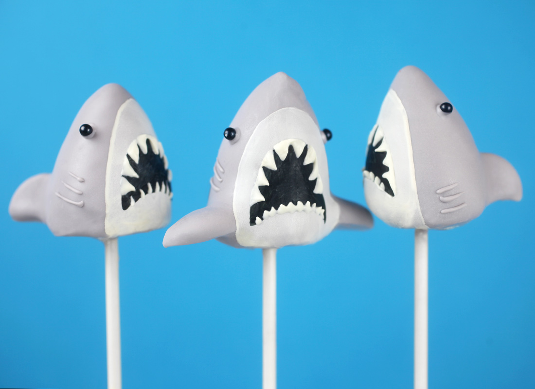 Jaws Cake Pops