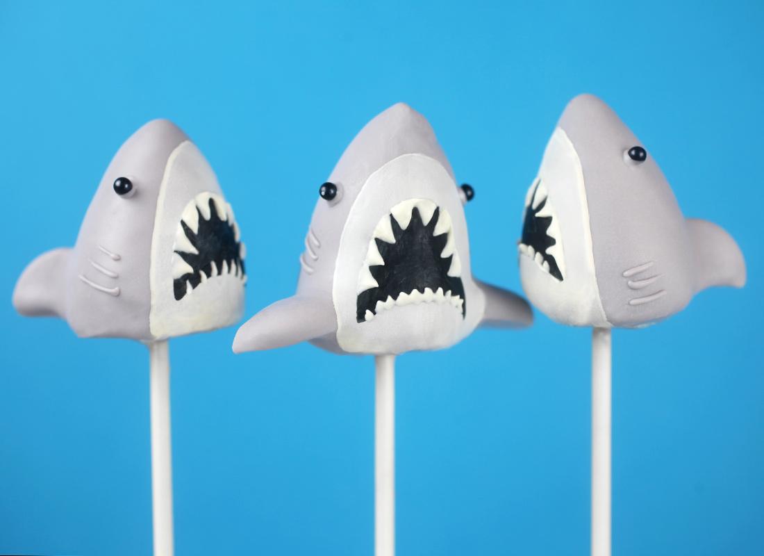 Jaws Cake Pops