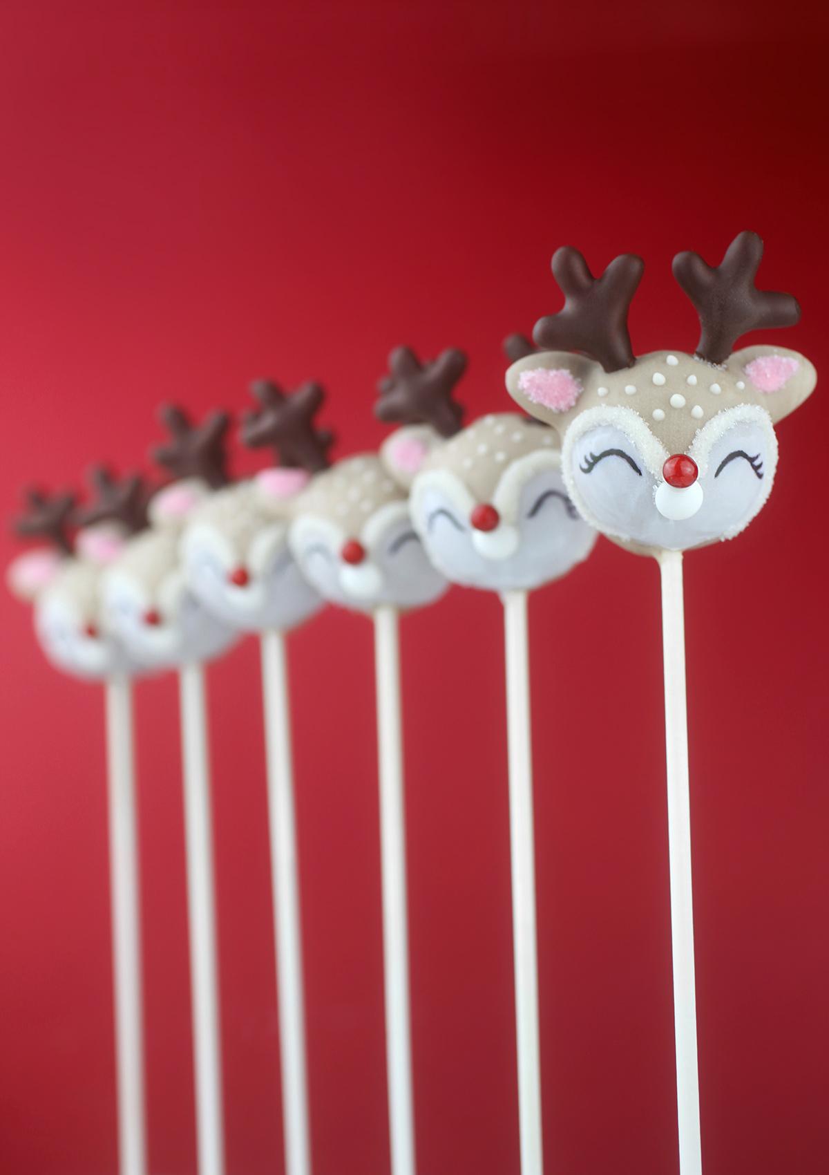 Really Cute Reindeer Cake Pops